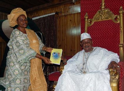 Oba alayeluwa lamidi olayiwola adeyemi iii alaafin of oyo honorary peace from harmony thecheapjerseys Choice Image